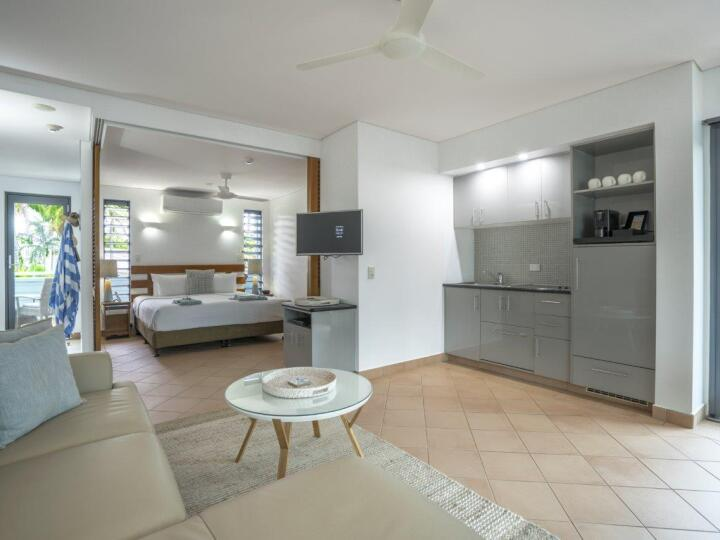 Peninsula Suite | Port Douglas Accommodation