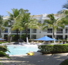 Peppers Beach Club Swimming Pool | Palm Cove Apartments