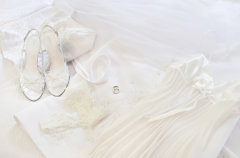 Photo shoot of Port Douglas brides outfit
