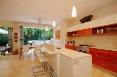 Port Douglas Accommodation Apartment 10 - kitchen