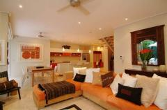Port Douglas Accommodation Apartment 10 - Lounge Area