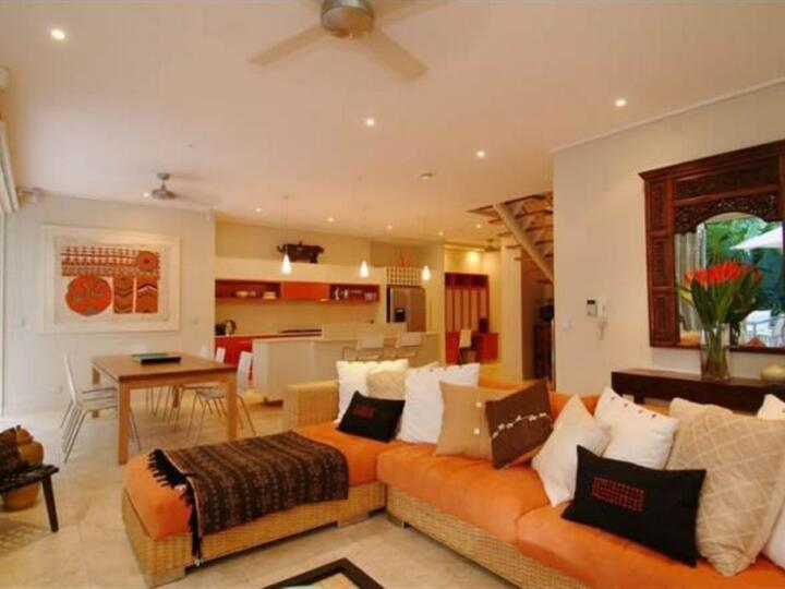 Port Douglas Apartments - Lounge Area to relax after a day exploring the sights | Port Douglas Accommodation