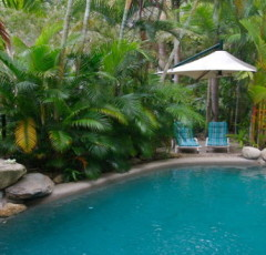 Port Douglas Coral Apartments | Great Value Accommodation Walk to Beach