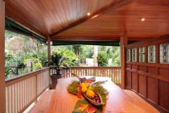 Enjoy the tropical lifestyle large balconies and outdoor dining - Port Douglas Holiday Home