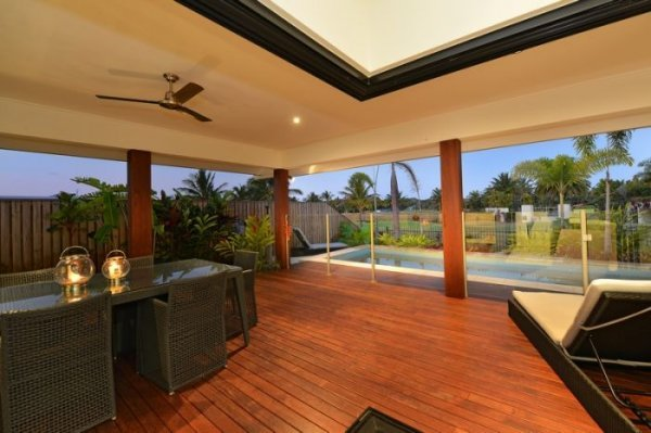 Port Douglas Holiday Home Overlooking the Palmer Sea Reef Golf course