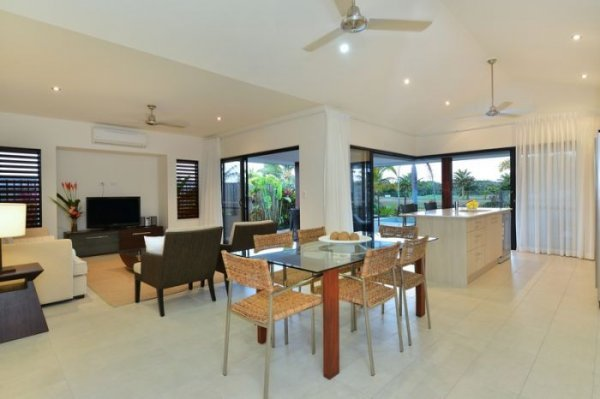 Port Douglas Holiday homes Open Plan Living