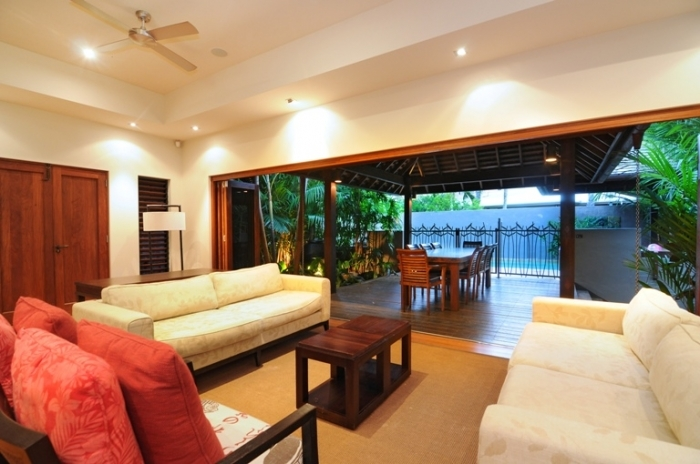 Enjoy tropical living in your Port Douglas Holiday House