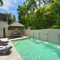 Private Outdoor Pool & Spa - Port Douglas Luxury Holiday Home