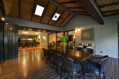 Port Douglas Luxury Holiday Home Alfresco dining