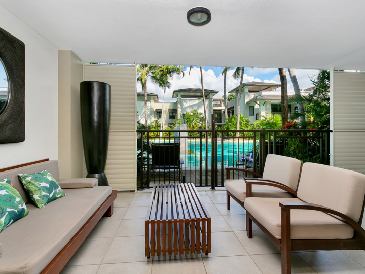 Port Douglas Private Apartments with Swim Up access to Lagoon Swimming Pool within Sea Temple Port Douglas Private Apartments