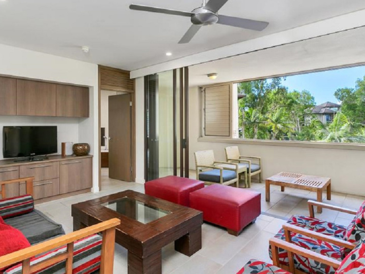 Private Holiday Apartments Sea Temple Palm Cove | Beachfront Resort Accommodation