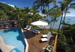 Private Holiday Home with access to small sandy beach - LUxury Wharf St Holiday House Port Douglas