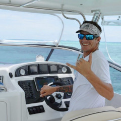 Private Reef Fishing Boat Departs Cairns | Experienced Skipper For A Great Day Out