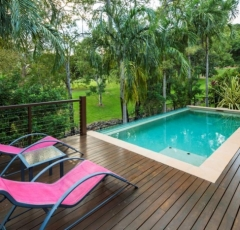 Private Swimming Pool - Trito Palm Cove Holiday House