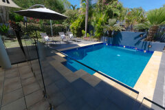 Private Swimming Pool (heated in winter) Palm Cove Holiday House