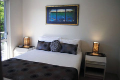 Queen Bedroom - Palm Cove Holiday Apartment