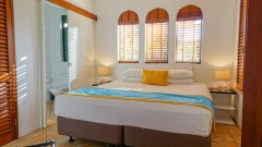 Queen Size Bedrooms the perfect Port Douglas getaway