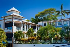 Regal Apartments Port Douglas Swimming Pool