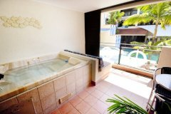 Regal Holiday Apartments | Close To The Centre Of Port Douglas (Town) In Tropical North Queensland