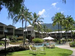 Relax by the Swimming Pool - great for families.  Palm Cove Holiday Apartment