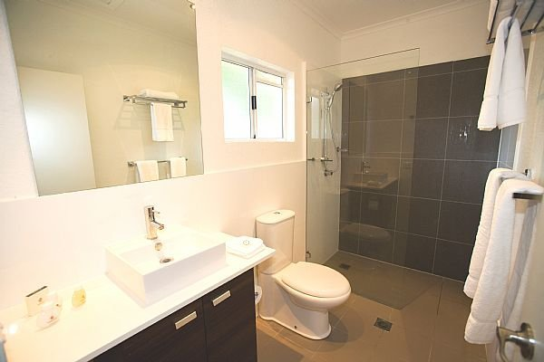 Rendezvous Reef Resort Port Douglas Villa Main Bathroom