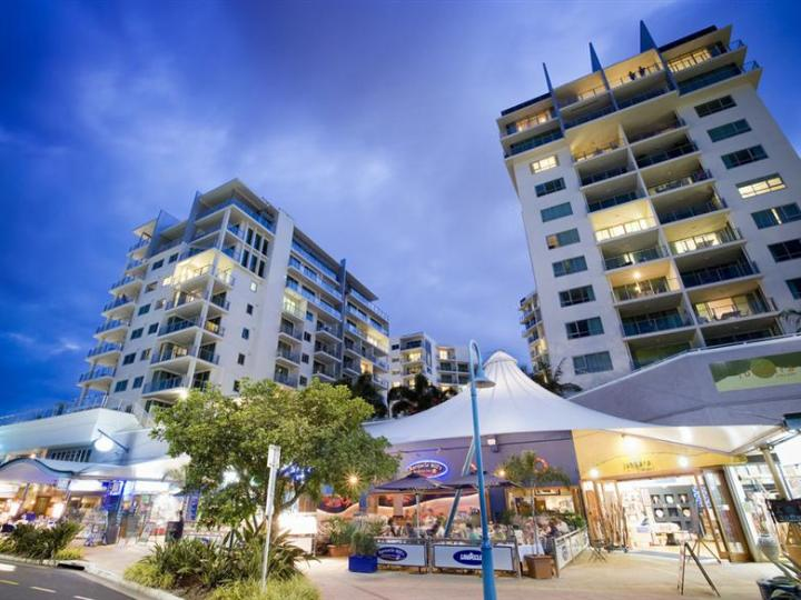 Restaurants at the door step of Mantra Trilogy Cairns