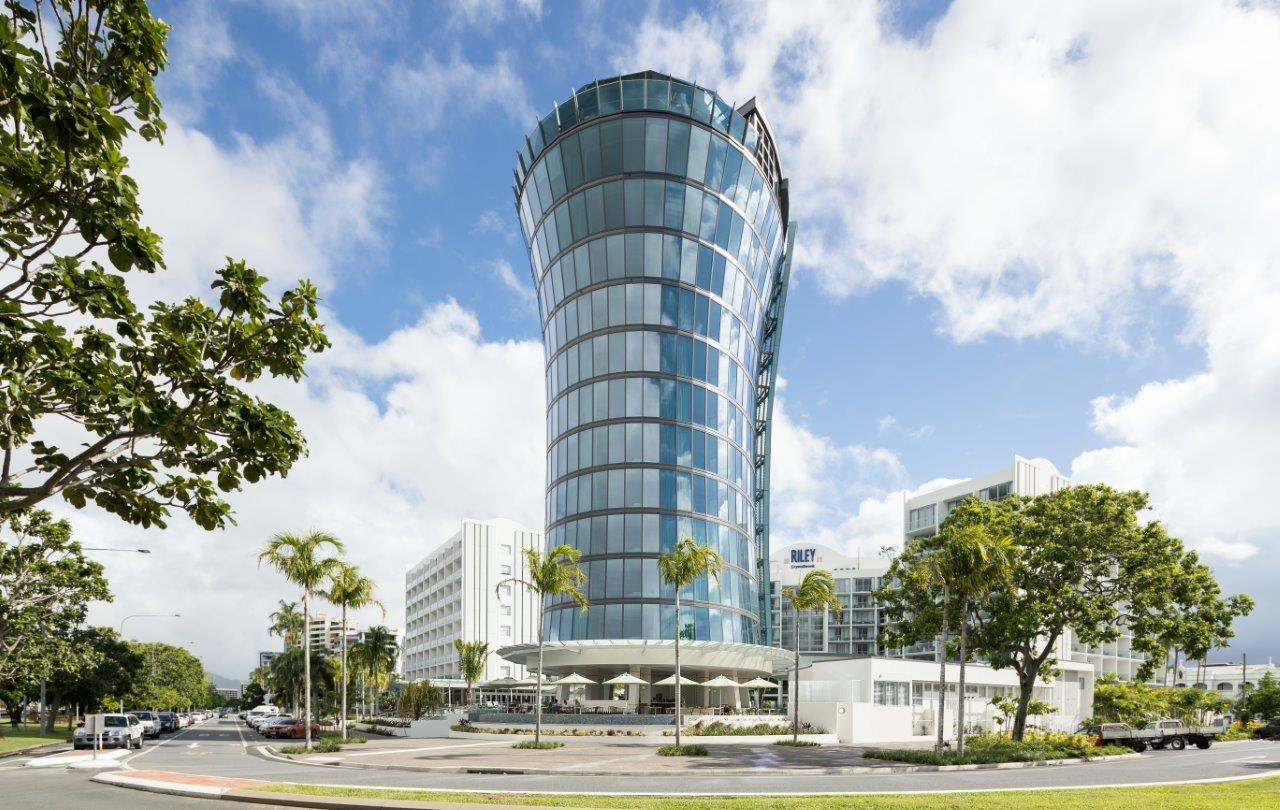 Cairns Holiday Deal 6 Night Riley Resort Cairns Amp Great