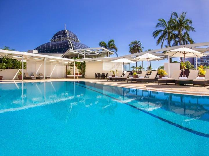Rooftop Swimming Pool & Spa - Pullman Reef Hotel Casino Cairns