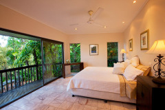 Sapphire Ridge Luxury Holiday Home - Bedroom