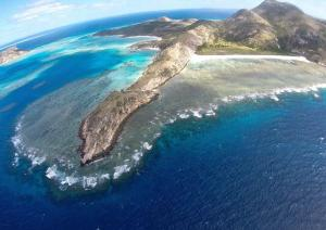 Scenic Flights to Lizard Island with Outback Overnight Adventures