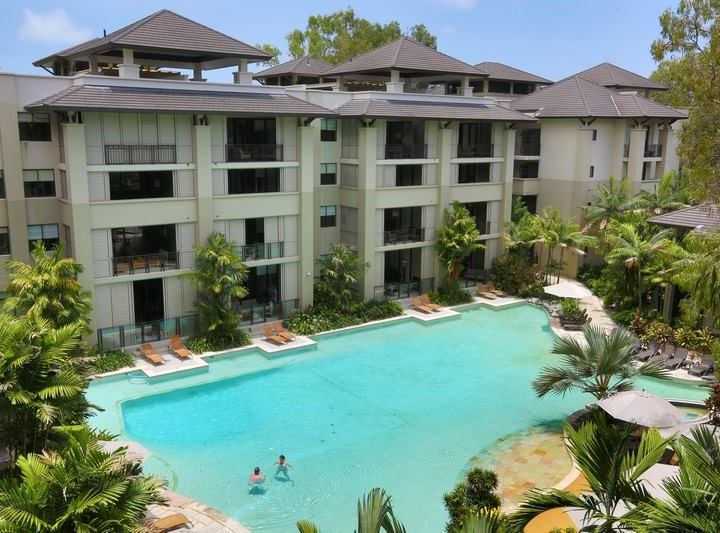 Palm Cove holiday Apartments Swimming Pools