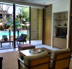 Palm Cove Swimout and Verandah room