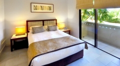 Palm Cove Swimout Bedroom
