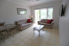 Self contained Garden & Seaview Apartments at Cairns Beach Resort