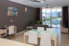 Self contained holiday apartments in the heart of Cairns - Park Regis City Quays Cairns