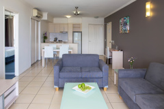 Self contained 1 & 2 Bedoom (Dual Key) holiday apartments - Park Regis City Quays Cairns