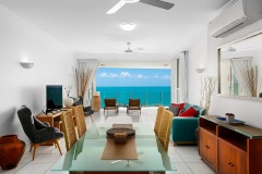 Self contained holiday apartments with ocean view - Trinity Beach accommodation