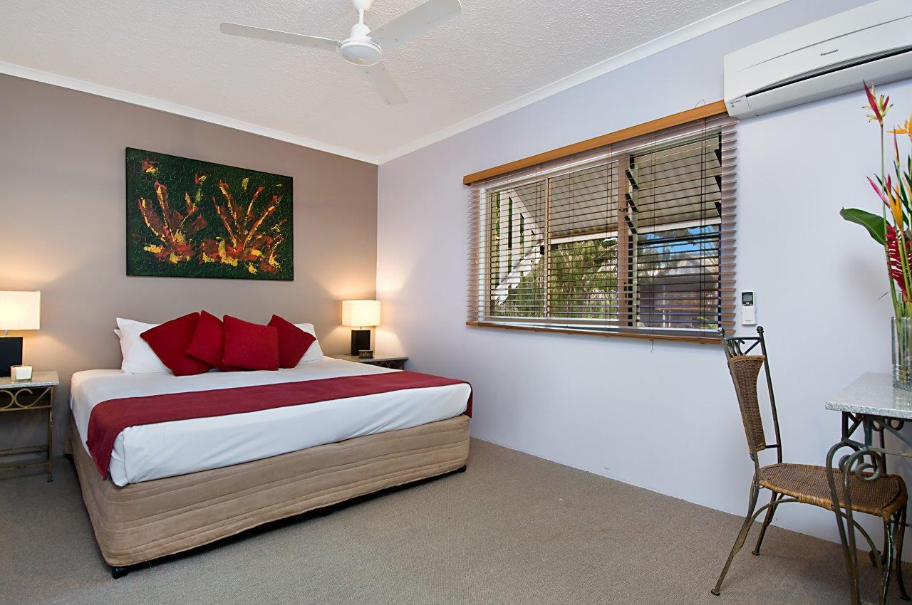 cairns beaches resort accommodation self contained