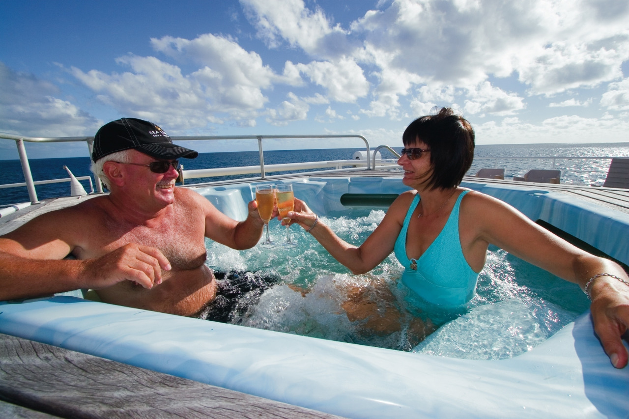 Cairns Attractions | Great Barrier Reef Cruise, Ultimate 3,4