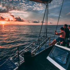 Sleep On The Reef | Liveaboard Private Charters