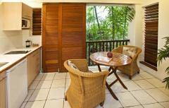 Spa Suite - Reef Retreat Palm Cove Resort style accommodation