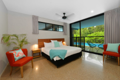 Port Douglas Holiday Home On the Beach -Spacious Bedrooms