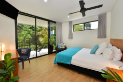 Port Douglas Luxury Holiday Home | Spacious Bedrooms
