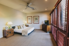 Spacious Guest Bedrooms - Port Douglas Holiday Home