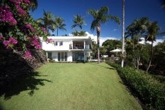 Spacious Lawns - Luxury Wharf St Holiday House Port Douglas