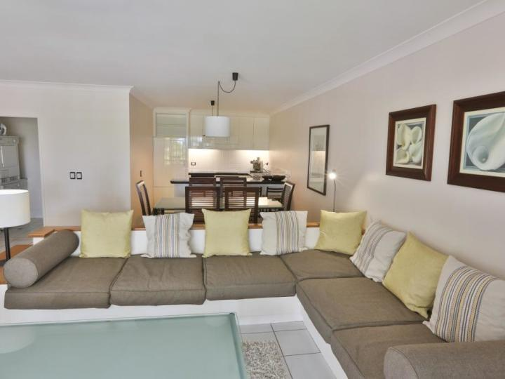 Spacious Living Area - Alamanda Private Apartment Palm Cove