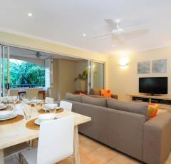 Spacious Living area - Cayman Villas Port Douglas Holiday Apartments