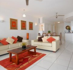 Spacious Living areas - Bellevue Trinity Beach holiday apartments