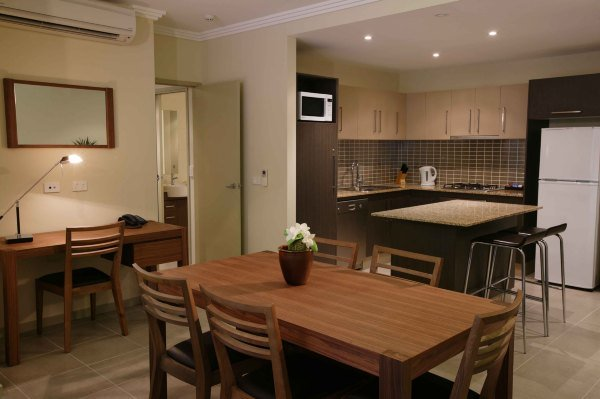 Spacious Living Area in 1 & 2 Bedroom holiday Apartments - Paradise Palms Resort Cairns