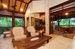 Spacious Living with High Ceilings and Thatched Roof - Port Douglas Luxury Holiday Home (4 Bedroom Villa)